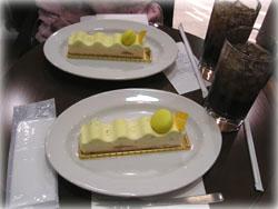 ケーキとアイスティで休憩