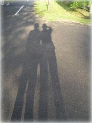 記念撮影 2人の影