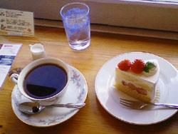 コーヒーとショートケーキ